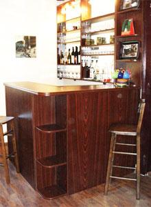 barske-stolice-i-stolovi