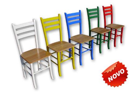 drvene-stolice-taverna-vise-boja
